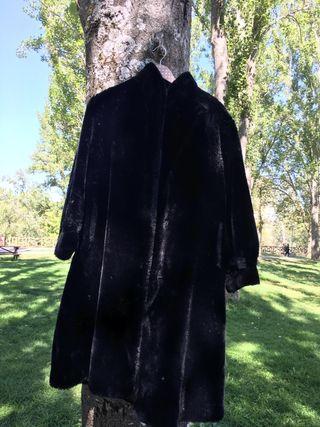 Abrigo de mouton negro largo