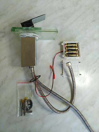 Grifo iluminado de lavabo con sensor temperatura