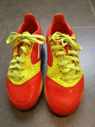 Botas futbol sin usar niño Adidas