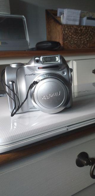 Cámara Fujifilm FinePix 2800 Digital