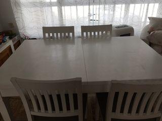 Mesa de comedor de 4 extensible a 6