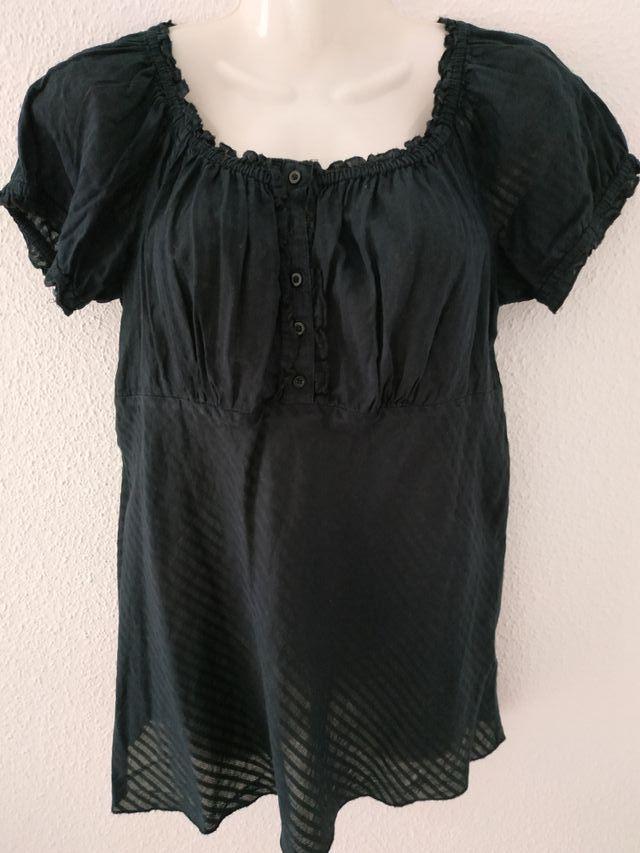 blusa negra T.L