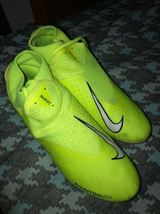 Botas de fútbol Nike Phantom Vision nuevas