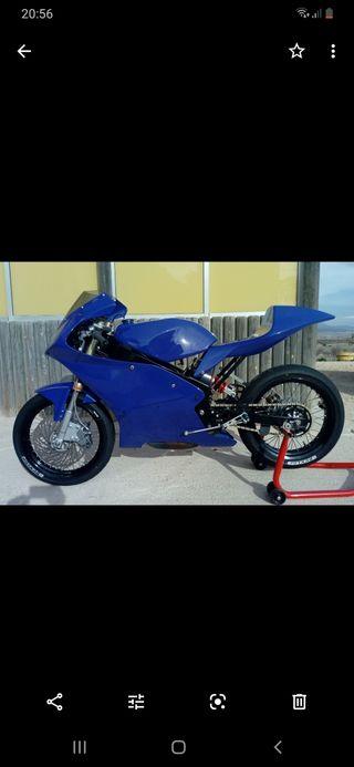moto de competición