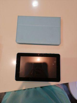 tablet unusual azul con funda y cargador