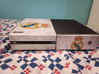 x box once personalizada del real Madrid CF