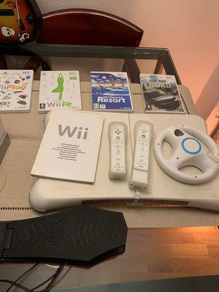 Nintendo WII + lote juegos y accesorios