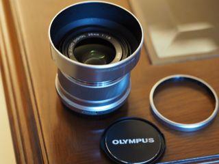 Olympus M.Zuiko premium 25mm 1.8