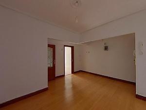 Pintamos su piso en 24 h