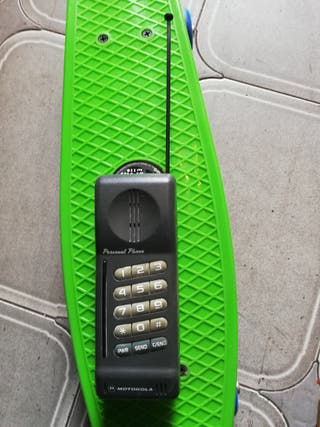 antiguo teléfono Motorola personal phone