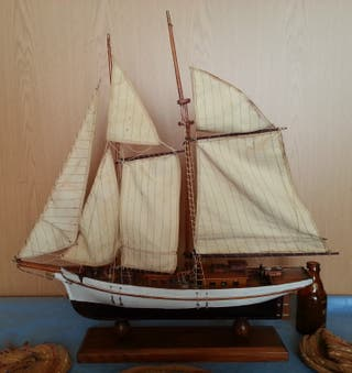 Barco Velero en madera. Artesanal