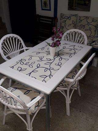 Conjunto mesa con sillas