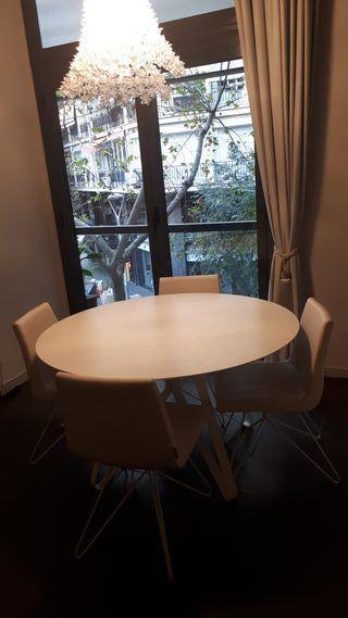 Mesa de comedor + 4 sillas de RAFEMAR