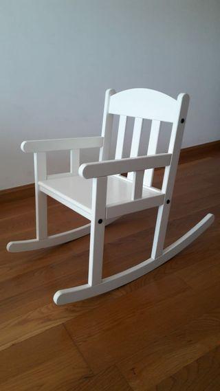 Mecedora silla hamaca blanca para bebé y niños