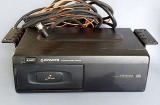 Cargador de CDs para coche Pioneer CDX-M12.