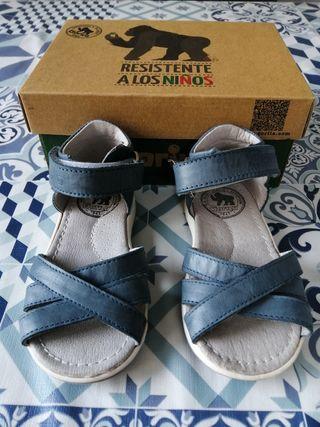 Sandalias de bebé marca Gorila