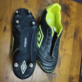 botas futbol piel