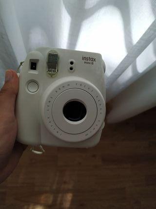 Instax mini 8 Fujifilm crema