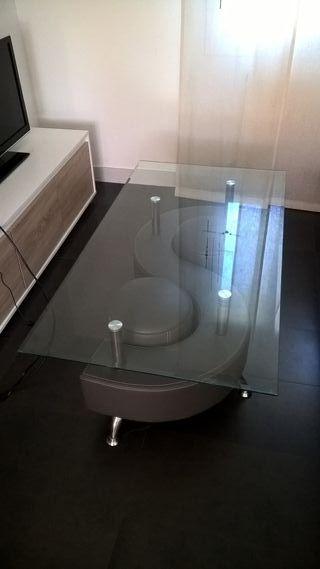 Mesa gris de cristal + 2 asientos