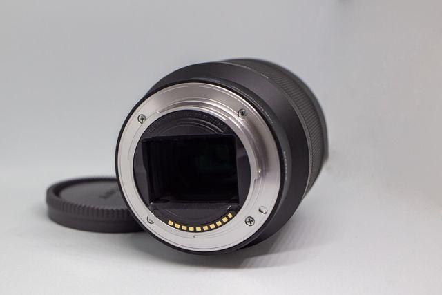 Cámara Sony Alpha 7 + objetivo 28-70 + anillo