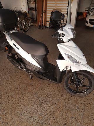 Suzuki adress 110cc
