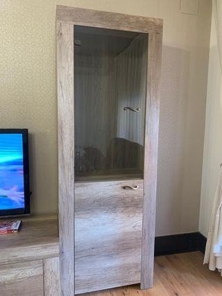 Estanteria vitrina de madera