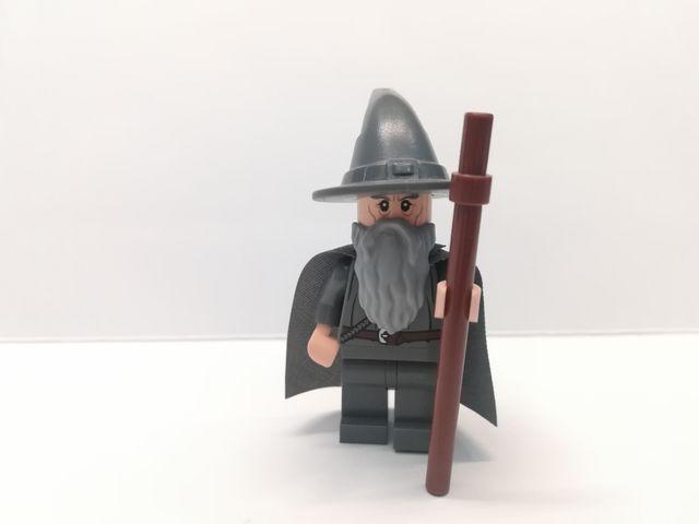 Lego el Señor de los Anillos Gandalf con bastón