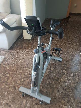 bicicleta estática ciclo indoor spinning BH 1.16