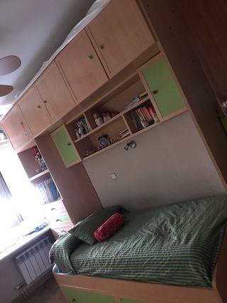 Mueble compacto juvenil, en perfecto estado