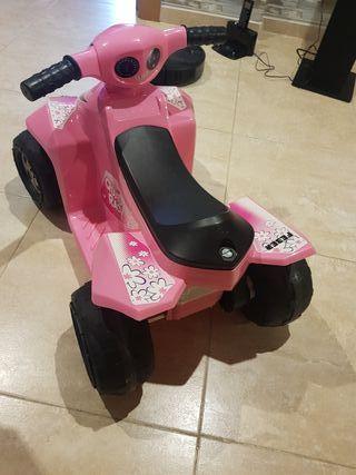 quad eléctrico niña