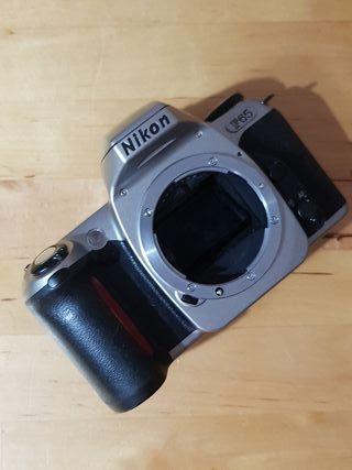 Nikon f65. camara analogica