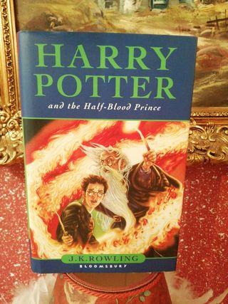 Libro en inglés Harry Potter nuevo grueso
