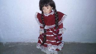 muñeca de porcelana , de colección