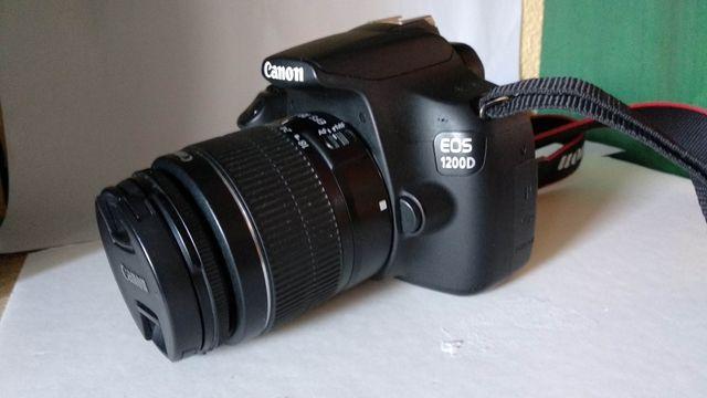 Cámara réflex canon 1200D