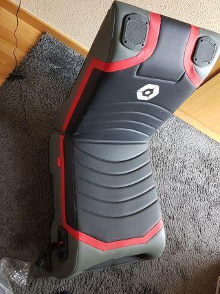 sillón gaming Gioteck con altavoces