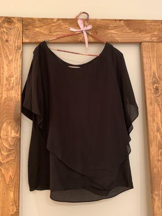 Blusa capa negra Uterqüe