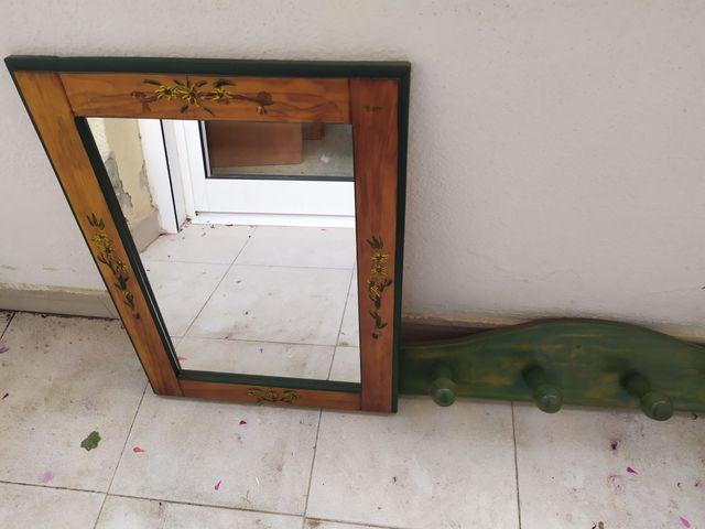 Espejo y perchero