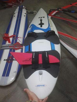 Tabla Windsurf equipada