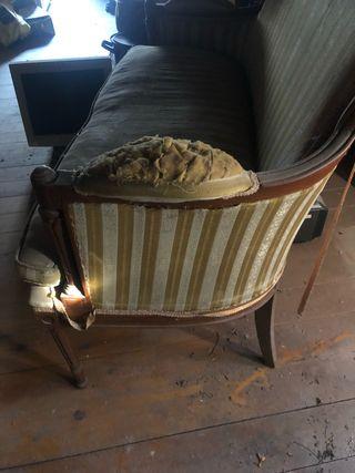 Antiguo sillón de dos plazas