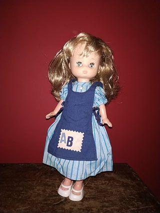 muñeca Lesly de famosa
