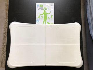 Wii Fit Plus (Board + Jeu)