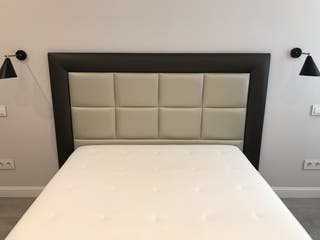 Base tapizada (IKEA) + colchón (IKEA) + cabecero