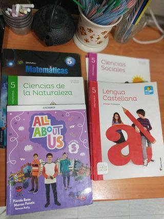 Libros de texto escolares 5° de primaria.