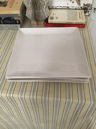 4 platos rectangulares marca Irubia