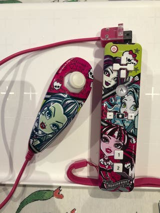 Mando Wii monster high más funda silicona