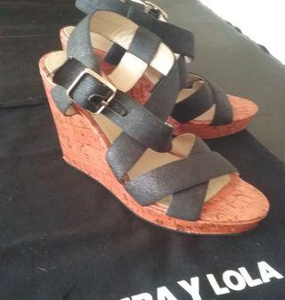 Sandalia cuña Bimba y Lola T 38