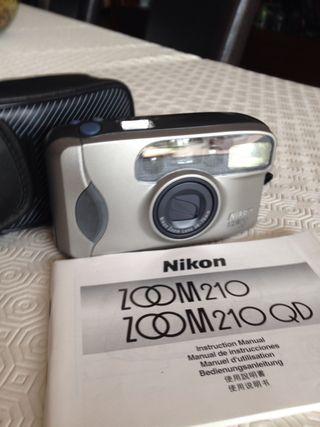 Cámara de fotos Nikon AF 210
