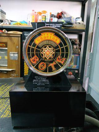 máquina recreativa bote monedas