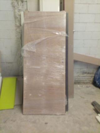 puertas de madera de exterior e interior macizas.