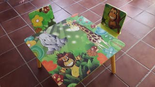 Mesas y Sillas de madera para niños